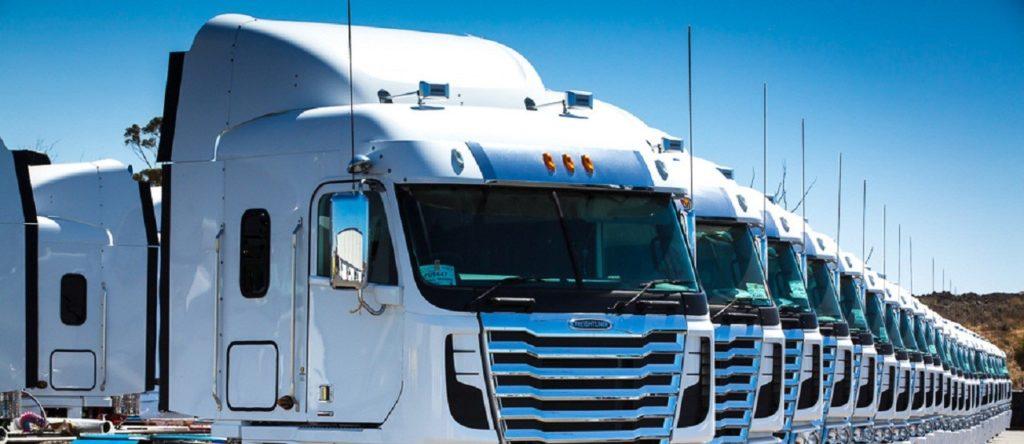 LTL and FTL services trucks